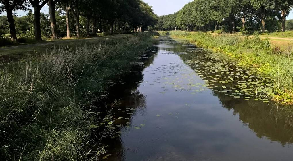 Cycling along the Nordhorn-Almelo Canal