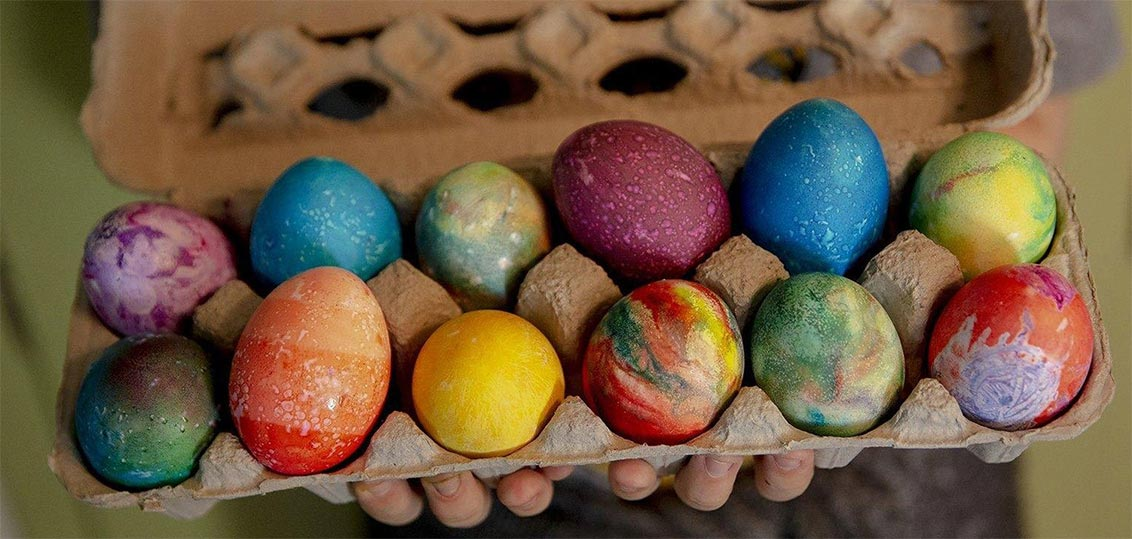 Dying Your Eggs with Homemade Eco Paint